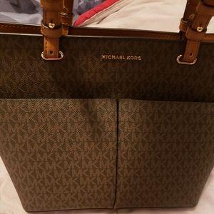 Handbags - Michael Khors purse